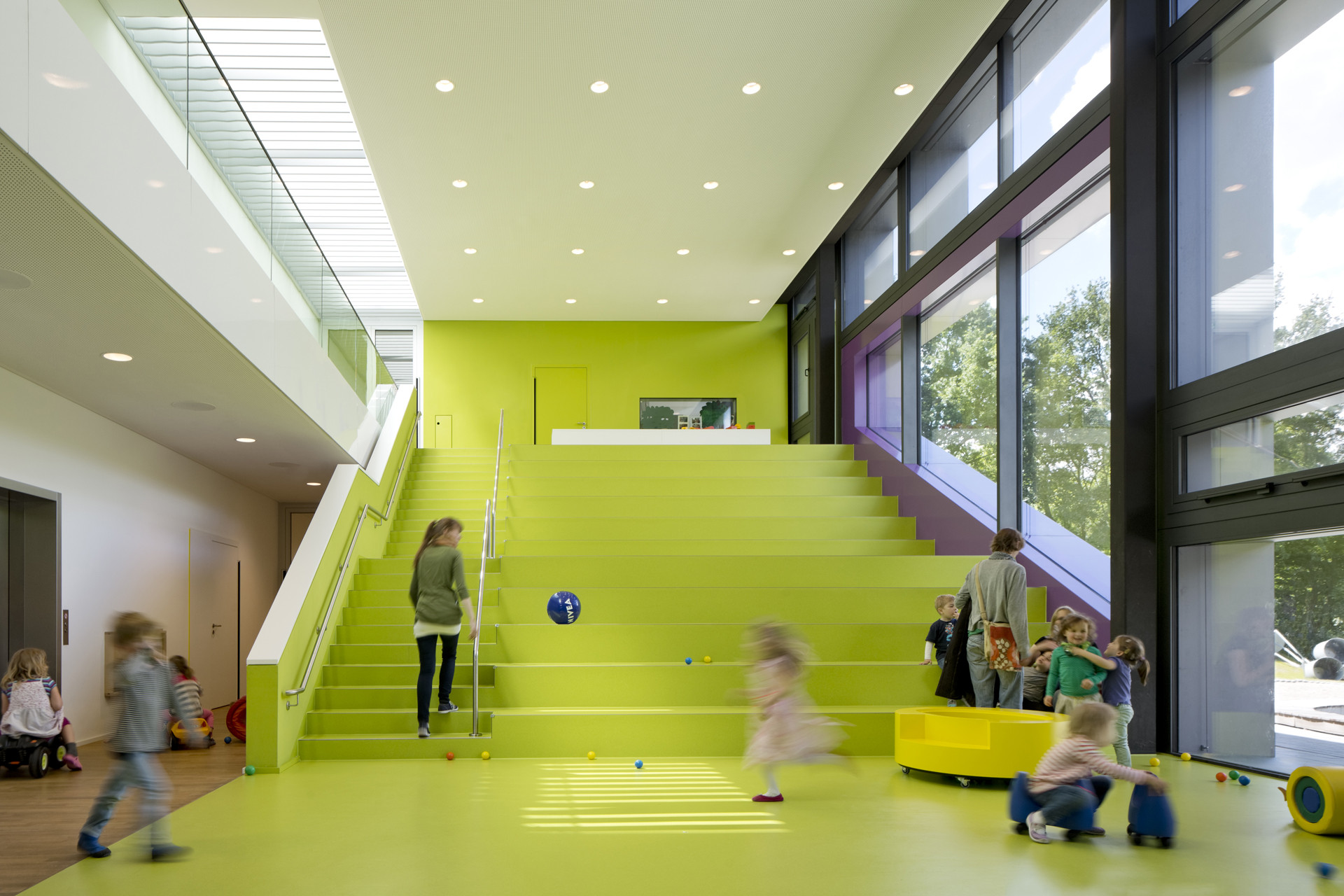 Gallery of beiersdorf children s day care centre for Design schule frankfurt