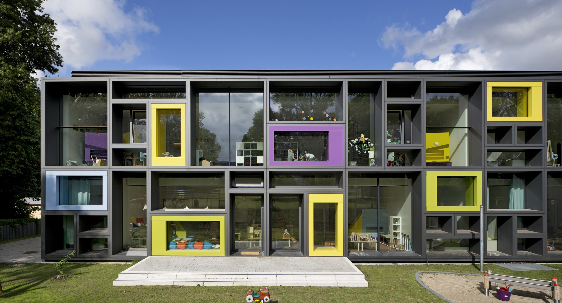 Beiersdorf Children's Day Care Centre / Kadawittfeldarchitektur, © Werner Huthmacher