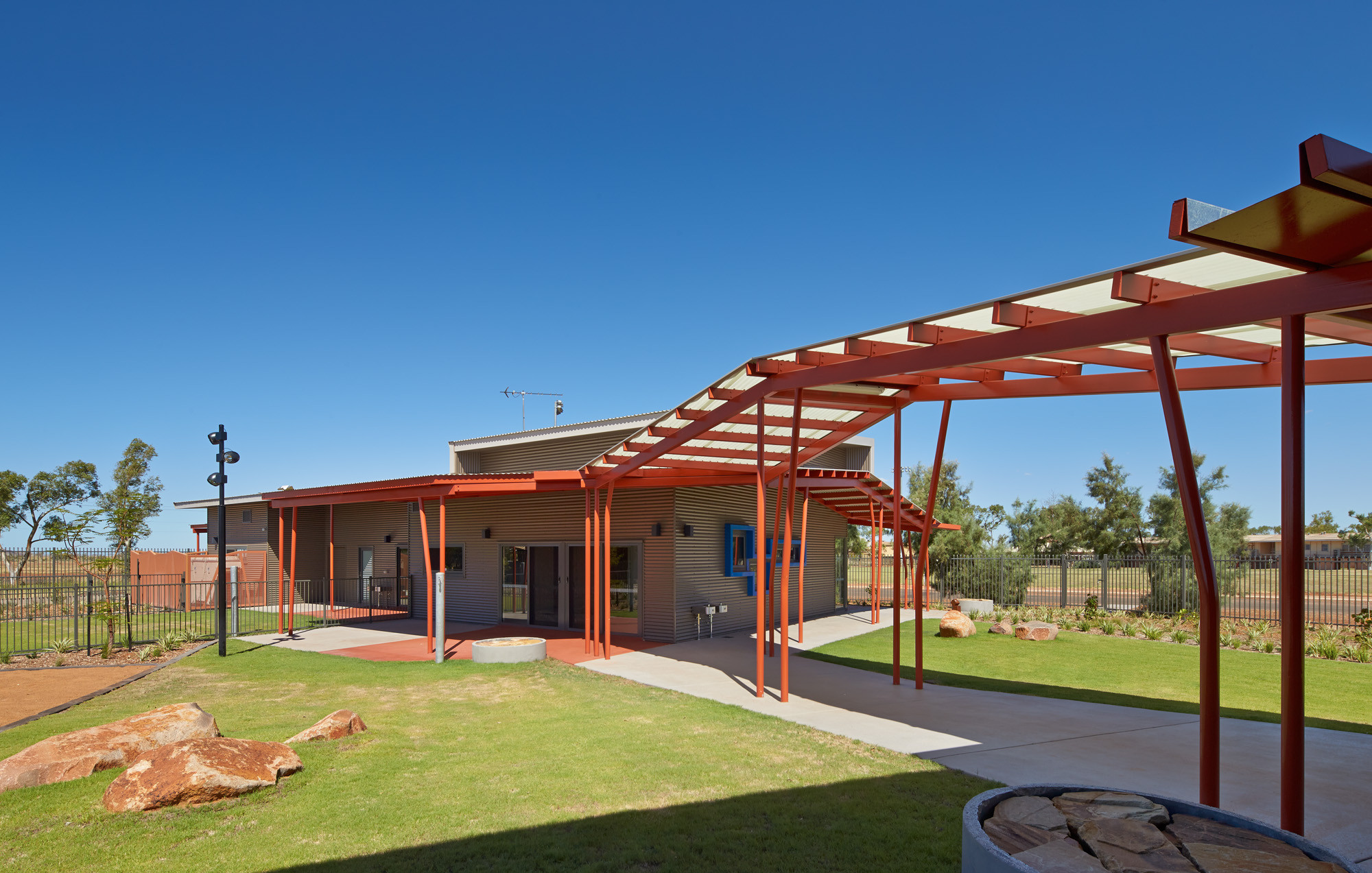 Roebourne Children and Family Centre / Iredale Pedersen Hook Architects, © Peter Bennetts