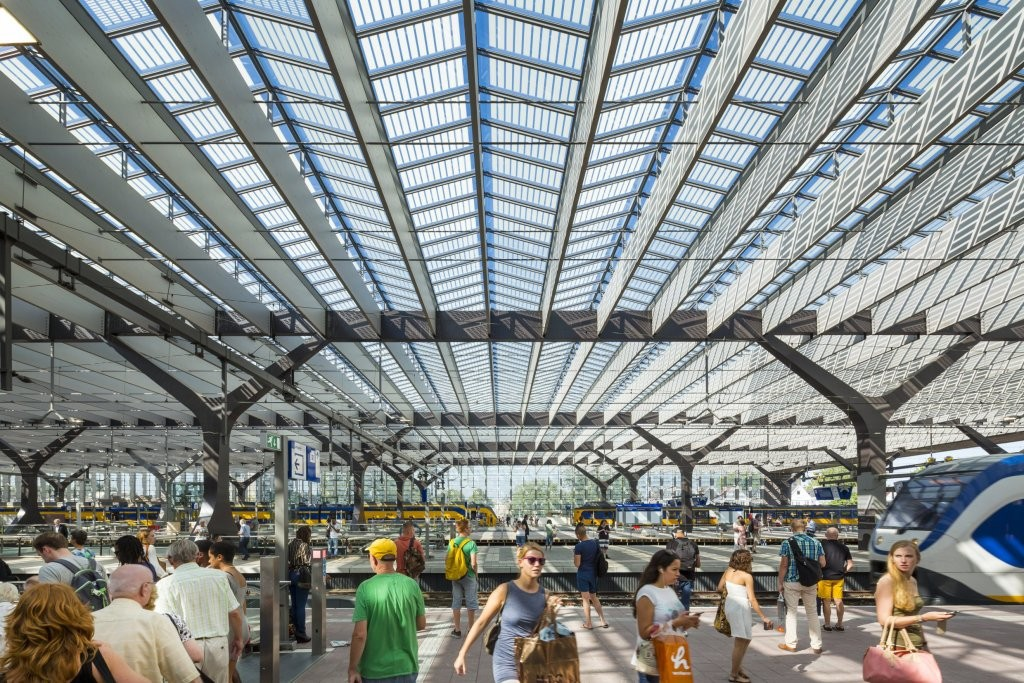 Gallery of rotterdam central station benthem crouwel for Archi interieur rotterdam