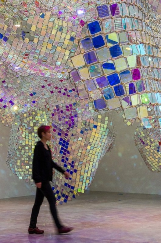 Soo Sunny Park. Light Art: Unwoven Light. Exhibition, Paris. Image © Soo Sunny Park