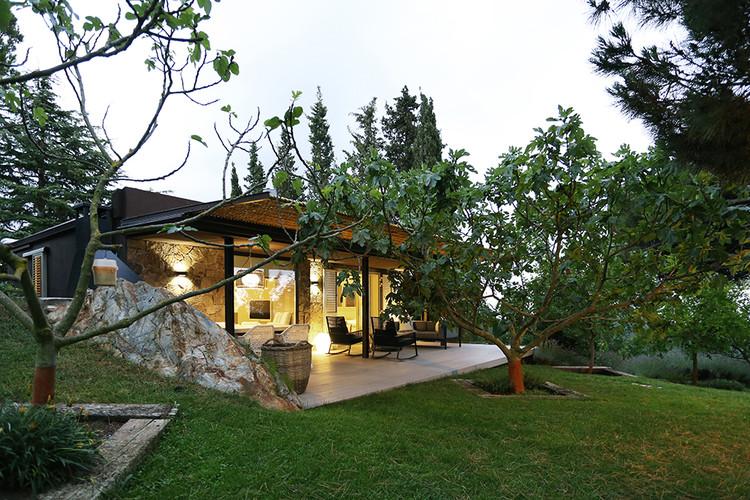 Casa de Invitados en la Montaña / Dom Architecture, Courtesy of Dom Architecture