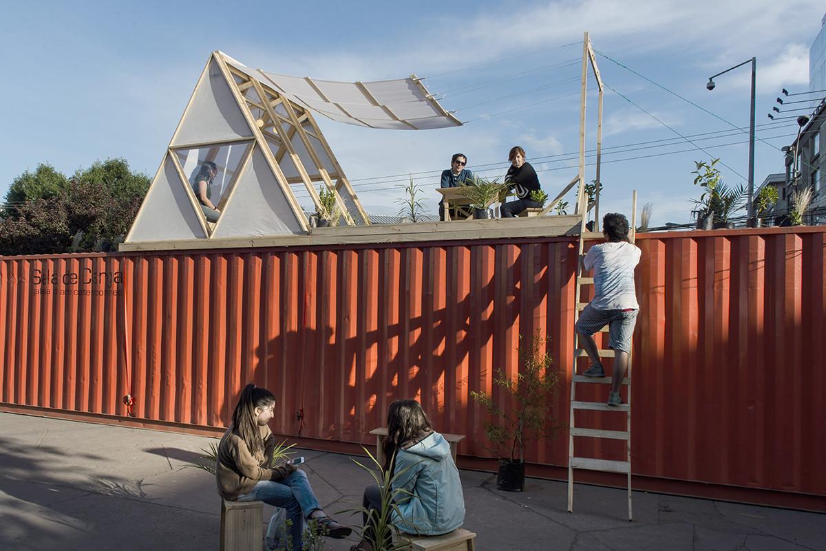 """""""Habitación Fundamental"""" en Concepción, Chile: habitando el espacio público , © Gino Zabala Bianchi"""