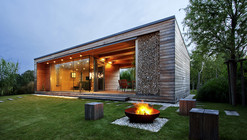 Holiday Cottage / Tóth Project Architect Office