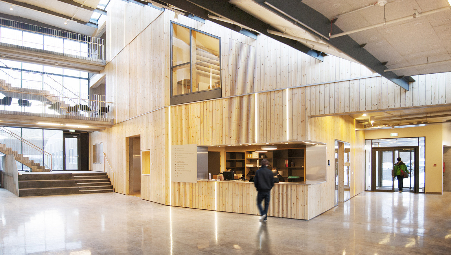 Entrance Foyer And Circulation In House : Gallery of mosfellsbær preperatory high school a f