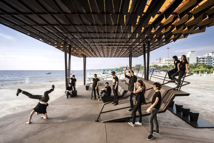 'The Flow' - A Multipurpose Pavilion / Department of ARCHITECTURE, © W Workspace and Tra Chang, SCG