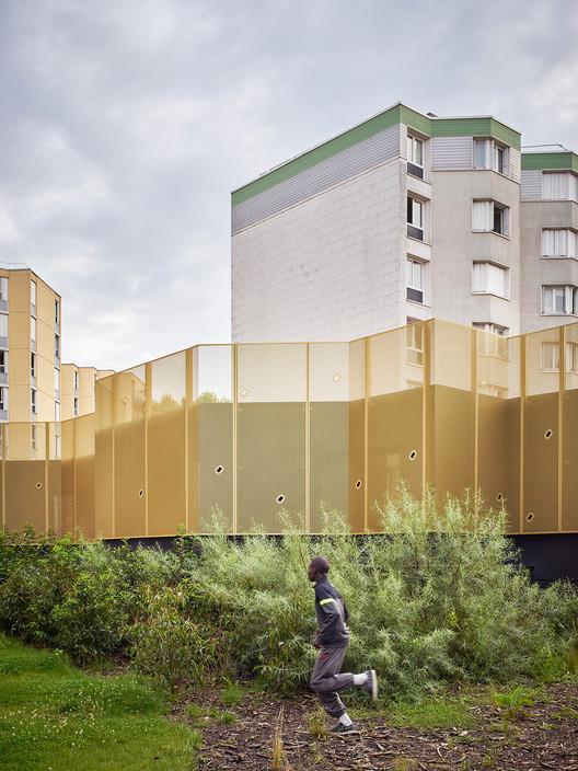community centre clec montreuil cut architectures archdaily. Black Bedroom Furniture Sets. Home Design Ideas