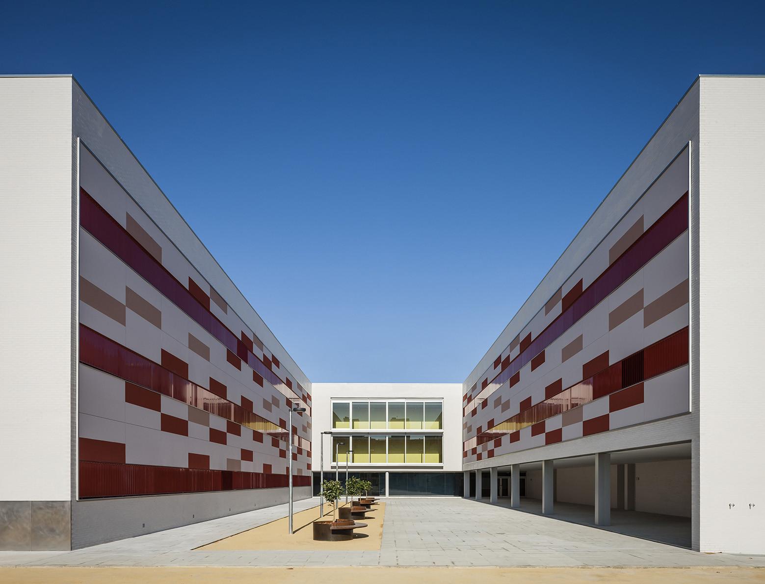 Instituto Enseñanza Secundaria Chaves Nogales / Suárez Corchete, © Fernando Alda