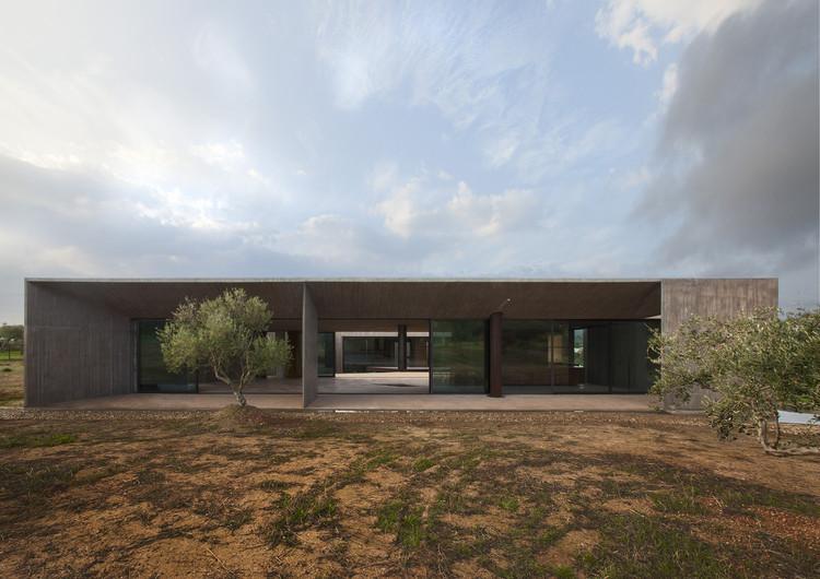 Residência em Megara / Tense Architecture Network, © Petros Perakis