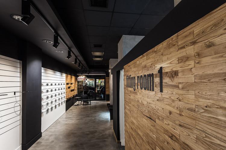 "Loja ""AI sport"" / Leaf Architects Studio, Cortesia de Leaf Architects Studio"