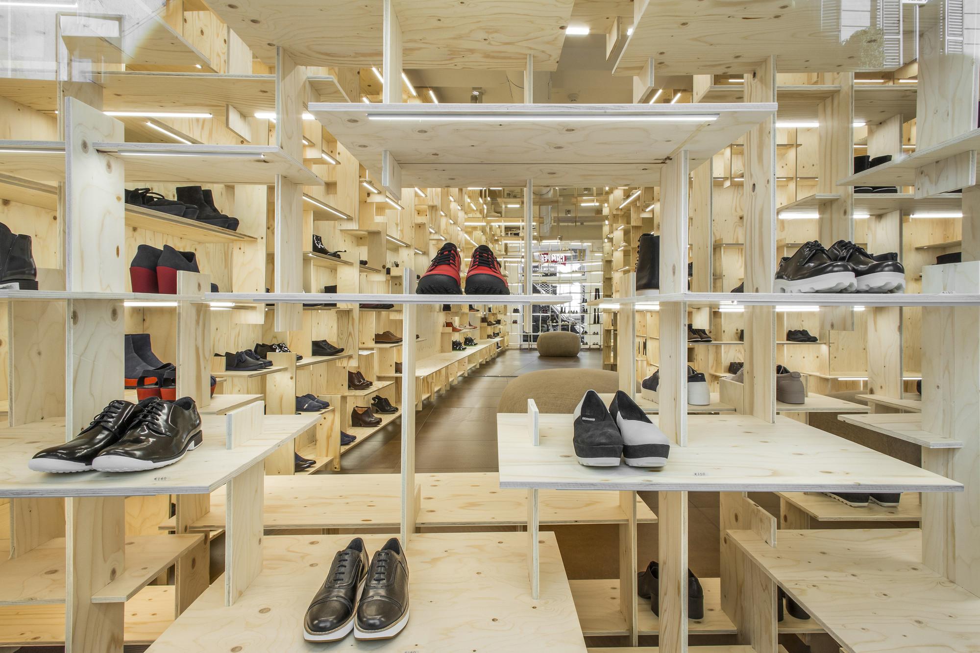 Camper Shoe Shop