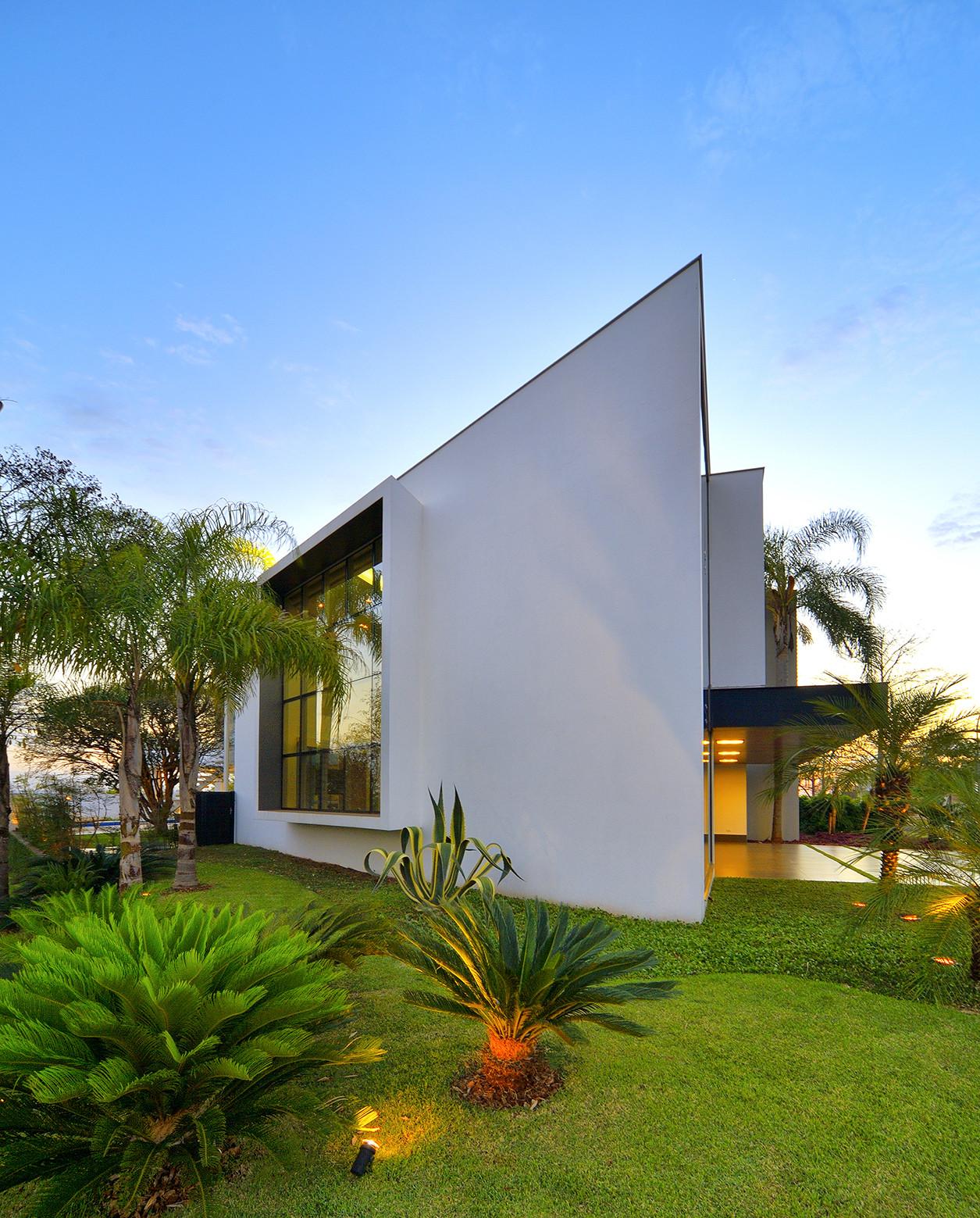 Galeria de casa jabuticaba raffo arquitetura 5 for Constructoras de casas