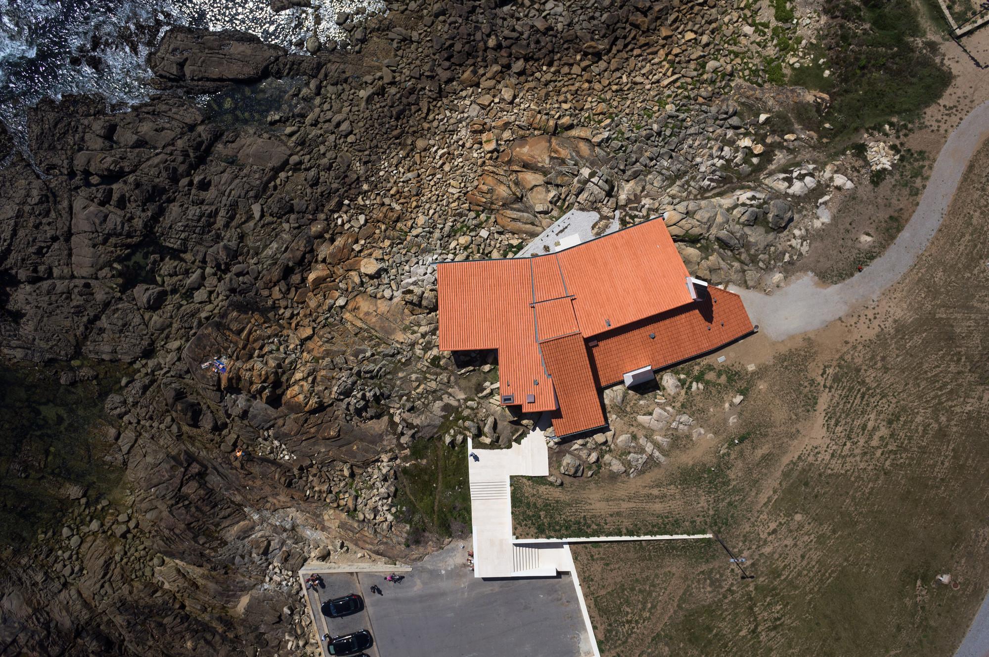 """El poder del """"plan-view"""": Drones y fotografía de arquitectura, Casa del té Boa Nova / Álvaro Siza Vieira. Imágen © Joao Morgado"""