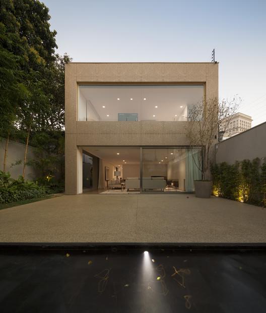 Casa K / Studio Arthur Casas, © Fernando Guerra | FG+SG