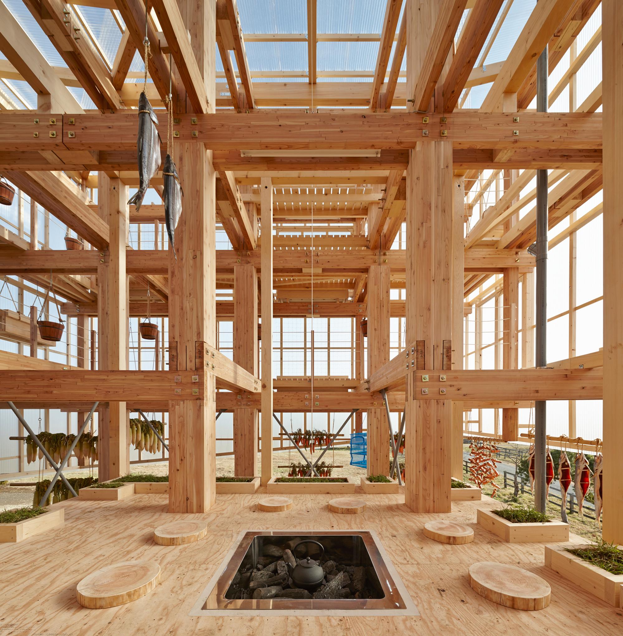 Nest We Grow  / Faculdade de Projeto Ambiental UC Berkeley  + Kengo Kuma & Associates, © Shinkenchiku-sha