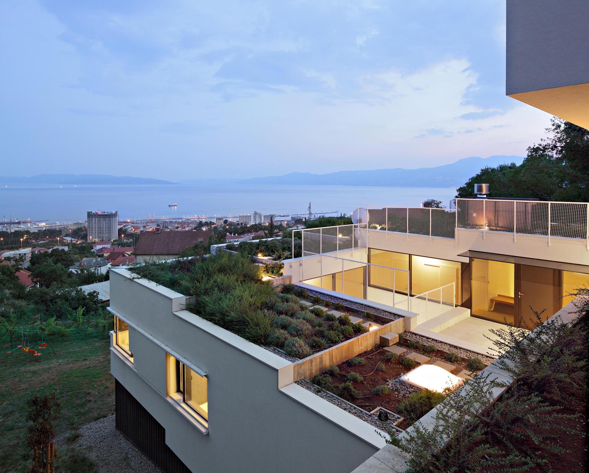 Villa / Petar Miskovic + Vanja Rister , © Robert Les