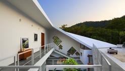 Casa Tomoe Villas / Note-D