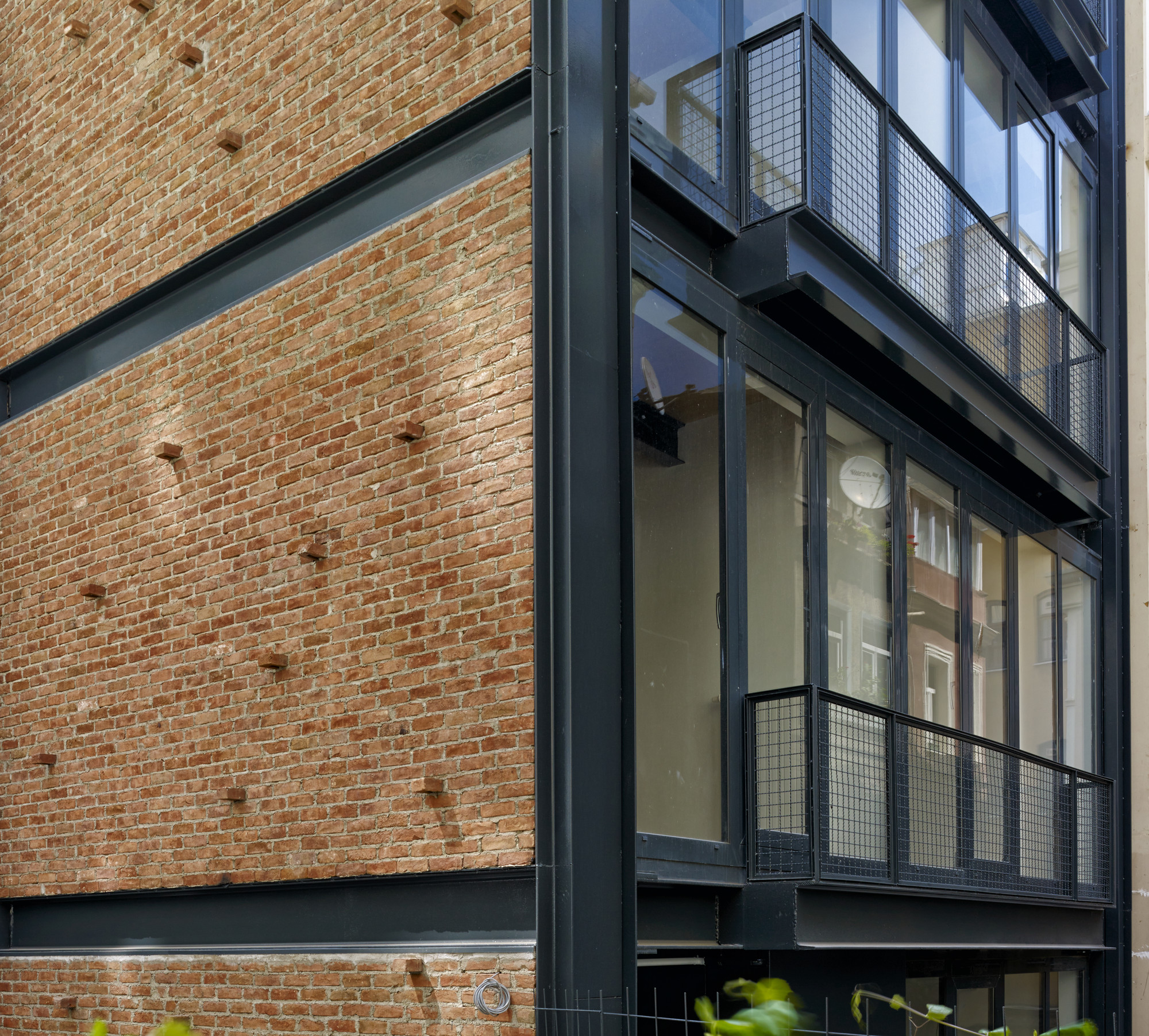 Noxx apartment cm architecture archdaily for Metal building apartments