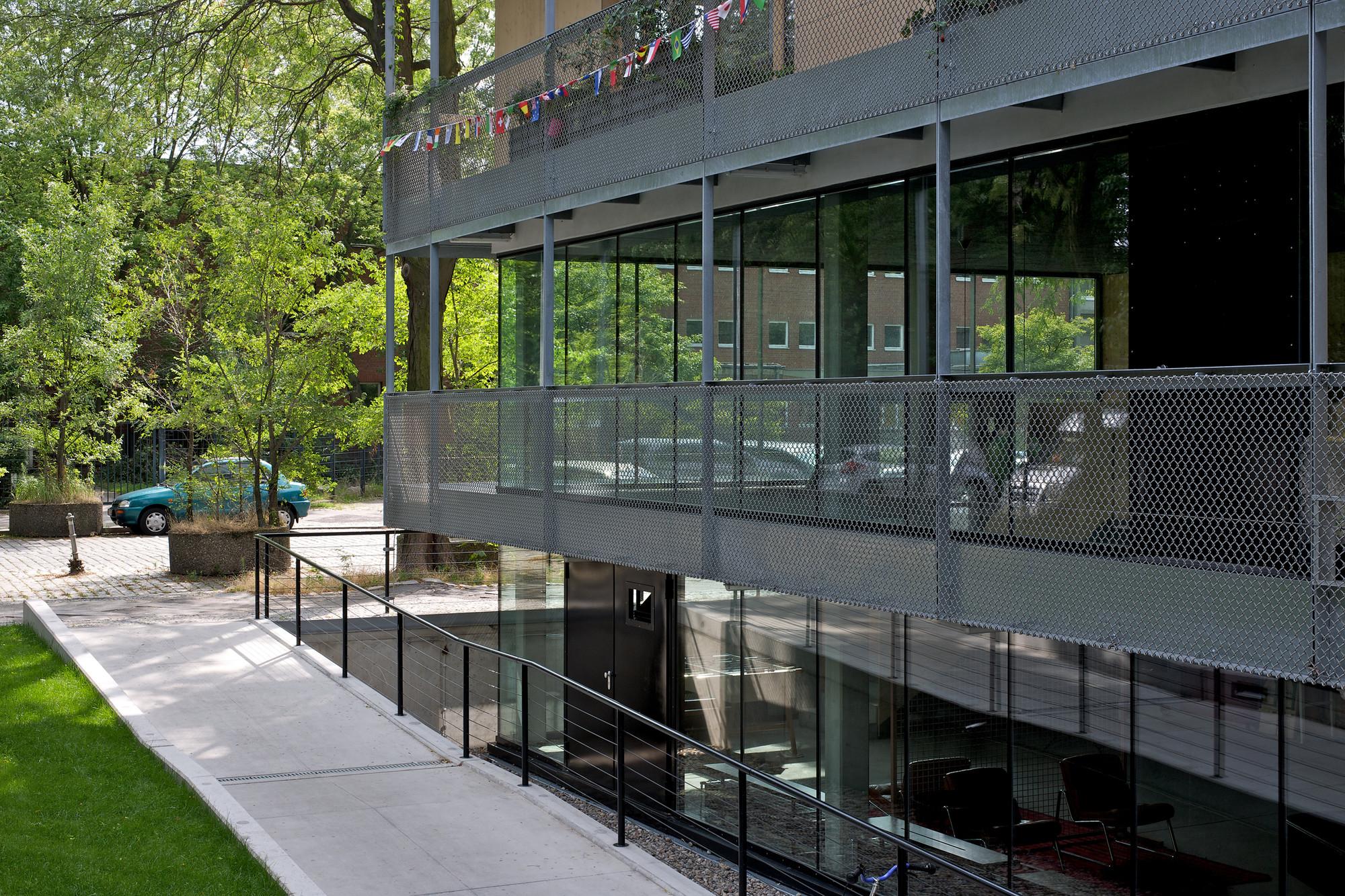 gallery of r50 cohousing ifau und jesko fezer heide von beckerath 19. Black Bedroom Furniture Sets. Home Design Ideas