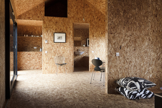 Stealth Barn / Carl Turner Architects. Fotografía: Carl Turner Architects
