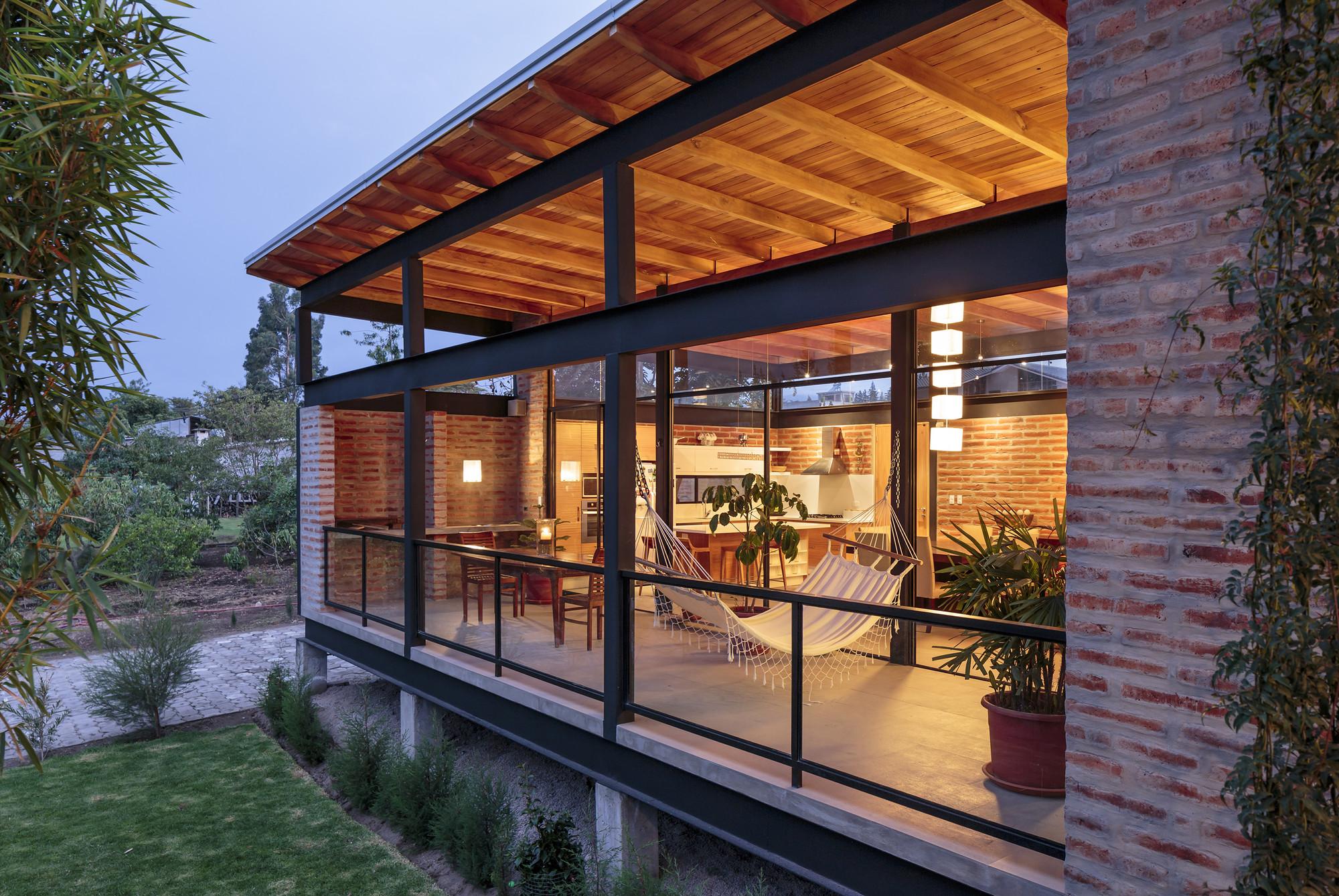 Galeria de casa 1 2 gua mar a de los ngeles espinosa 5 for Casas con techo a un agua