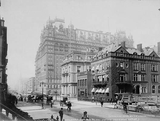 Waldorf Astoria, demolished in 1929 to make way for the Empire State Building.. Image © J.S. Johnston, 1899
