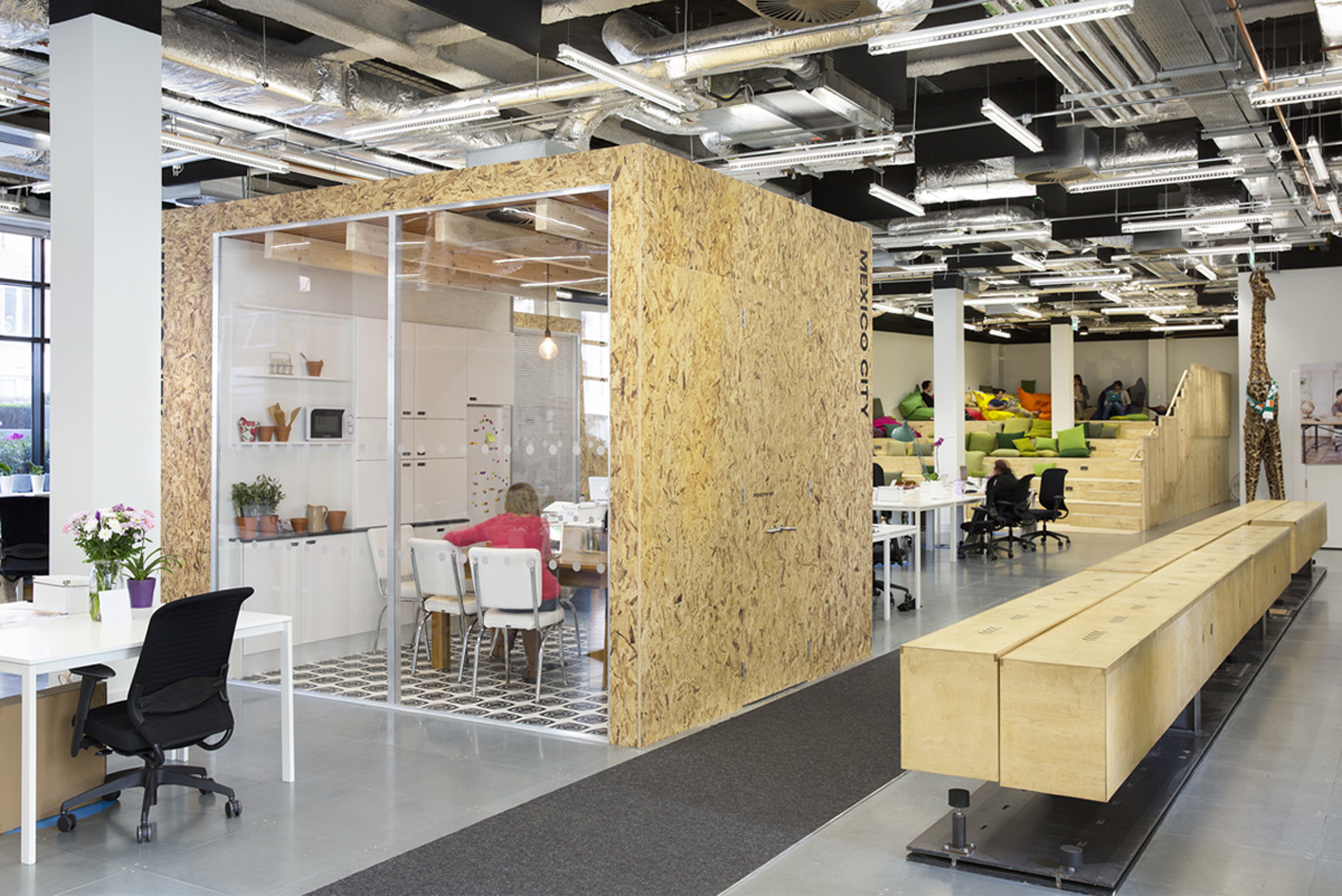open office cubicles. Airbnb\u0027s European Operations Hub In Dublin. Image © Ed Reeve Open Office Cubicles