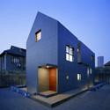 Slit House / AZL architects. Image © Nacasa & Partners