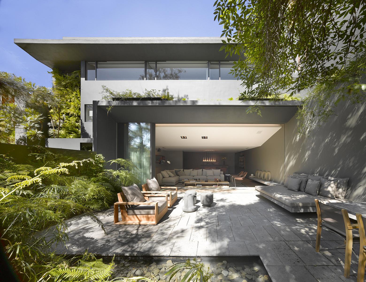 The Barrancas House / EZEQUIELFARCA arquitectura y diseño