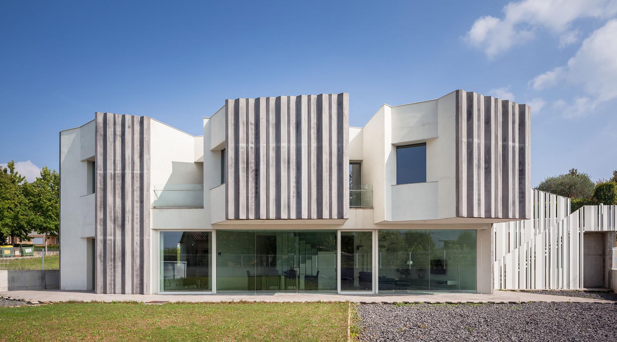Basalto House / Ventura Llimona, © Marc Torra