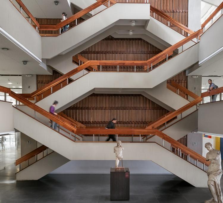 Arquitectura moderna colombiana en la UNAL Bogotá, bajo el lente de Juan Sebastián Silva, Biblioteca Central Gabriel García Márquez / Alberto Estrada. Image © Juan Sebastián Silva