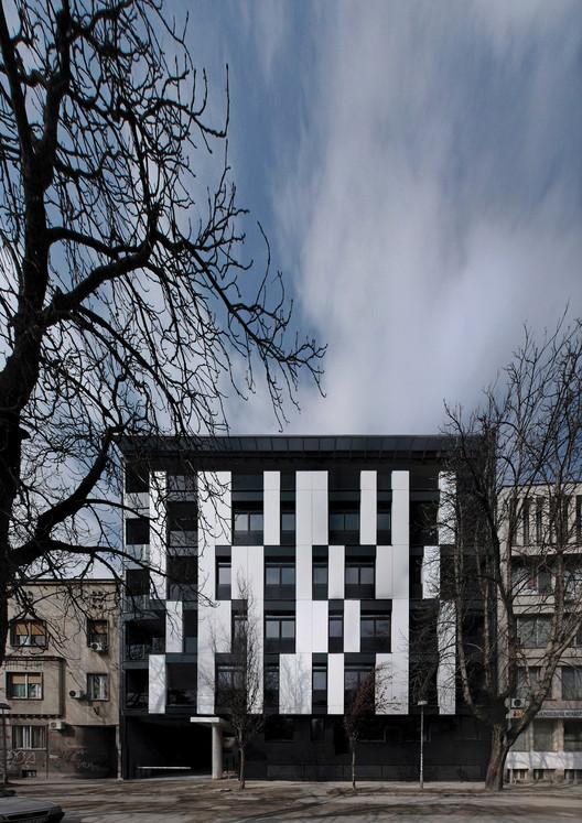 Edifício Residencial na Rua Vase Stajića / Kuzmanov and Partners, © Miljan Cvijetić