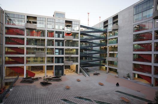 UNAB Viña del Mar / Martin Schmidt Radic Arquitectos Asociados