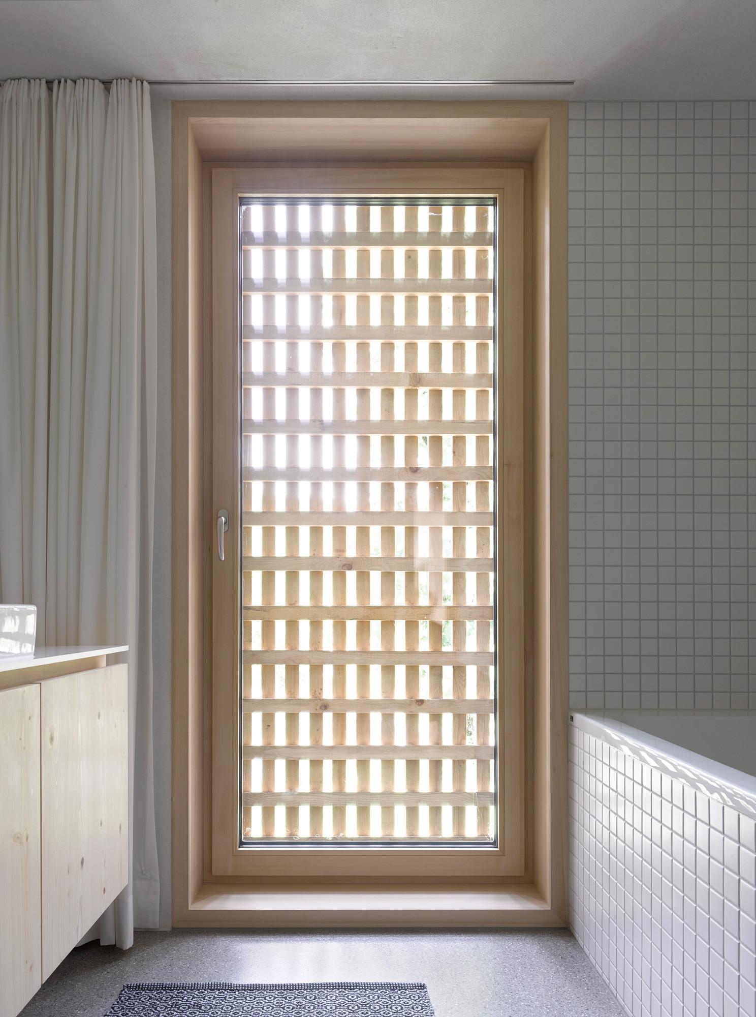 Gallery of Haus Für Julia Und Björn / Innauer-Matt Architekten - 4