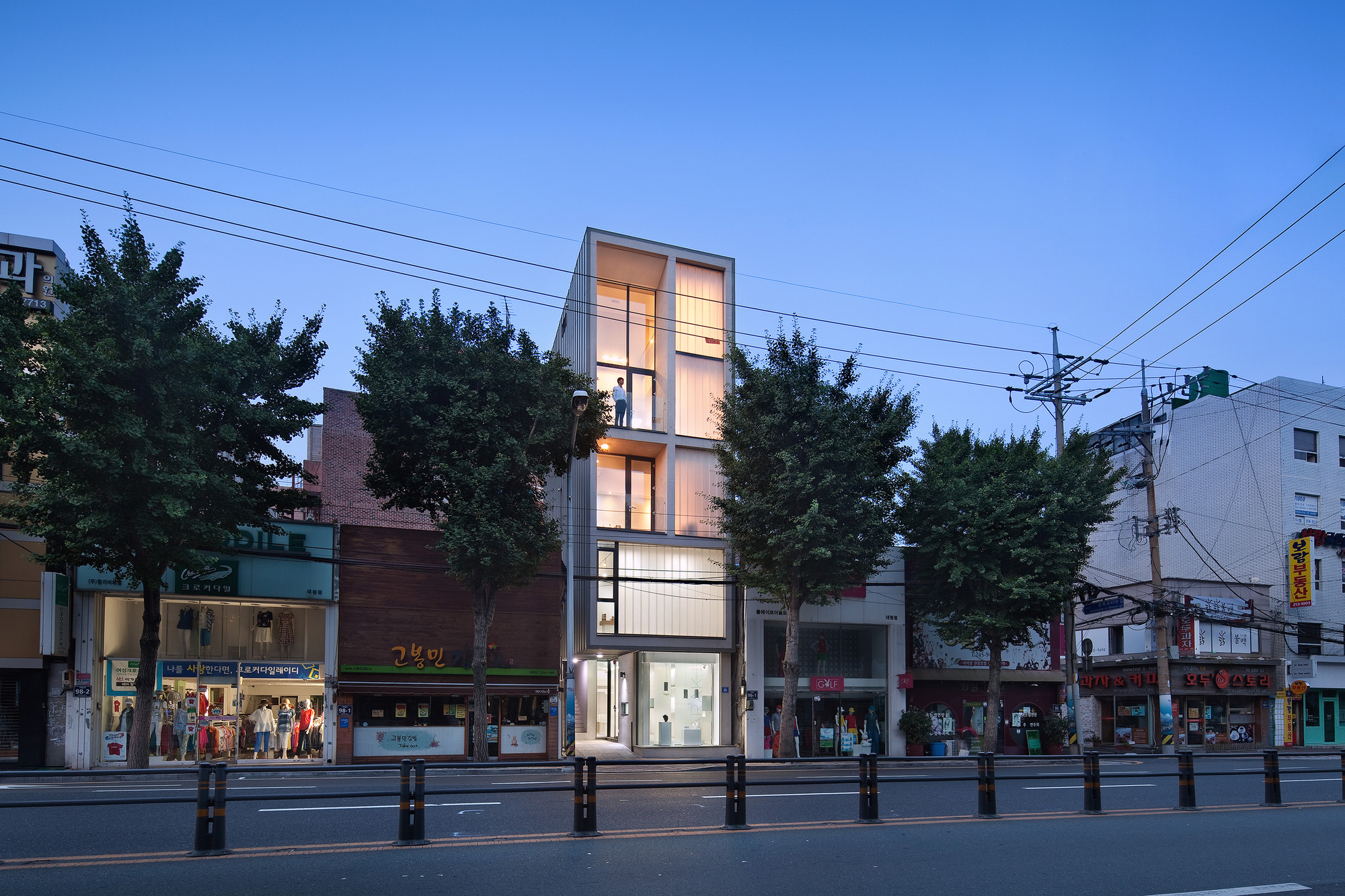 5x17daecheong dong small house jmy architects archdaily