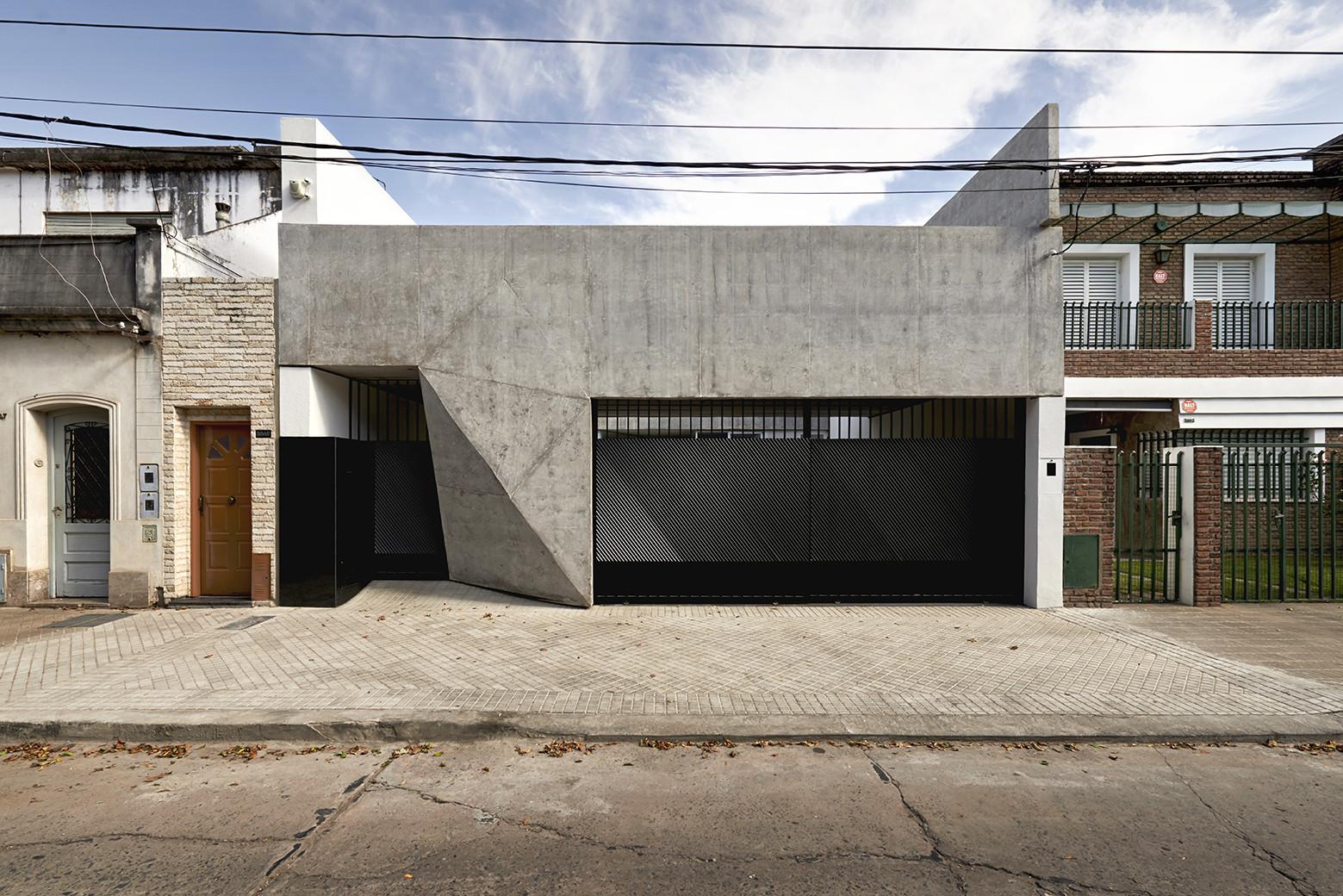 T&G House / Nicolás Campodonico, © Martin Lavayen