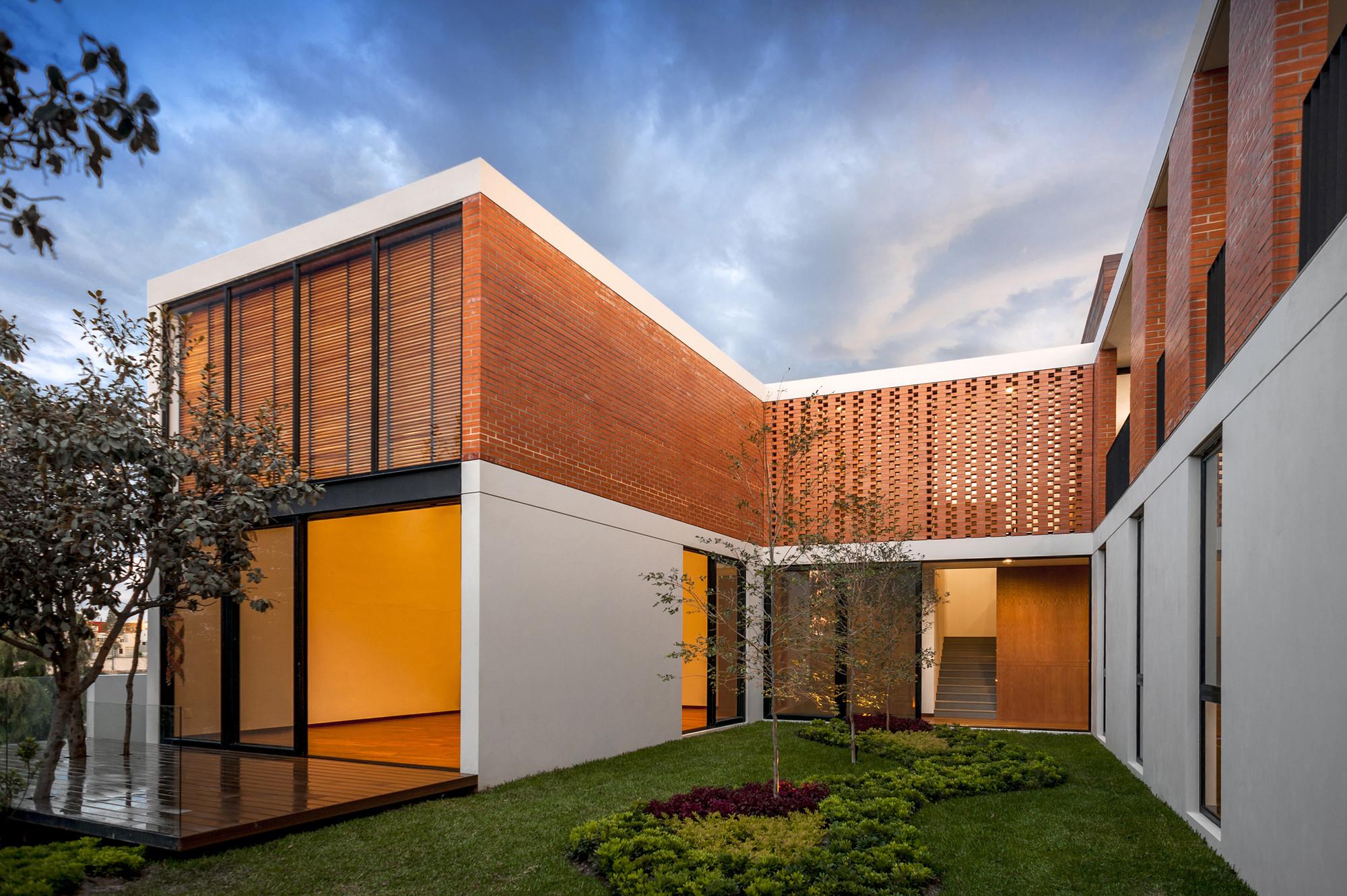 Galeria de casa ro alexanderson arquitectos 7 for Casa de arquitectos