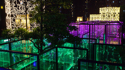 MAZE: um labirinto de luz nos céus de Hong Kong projetado por Brut Deluxe
