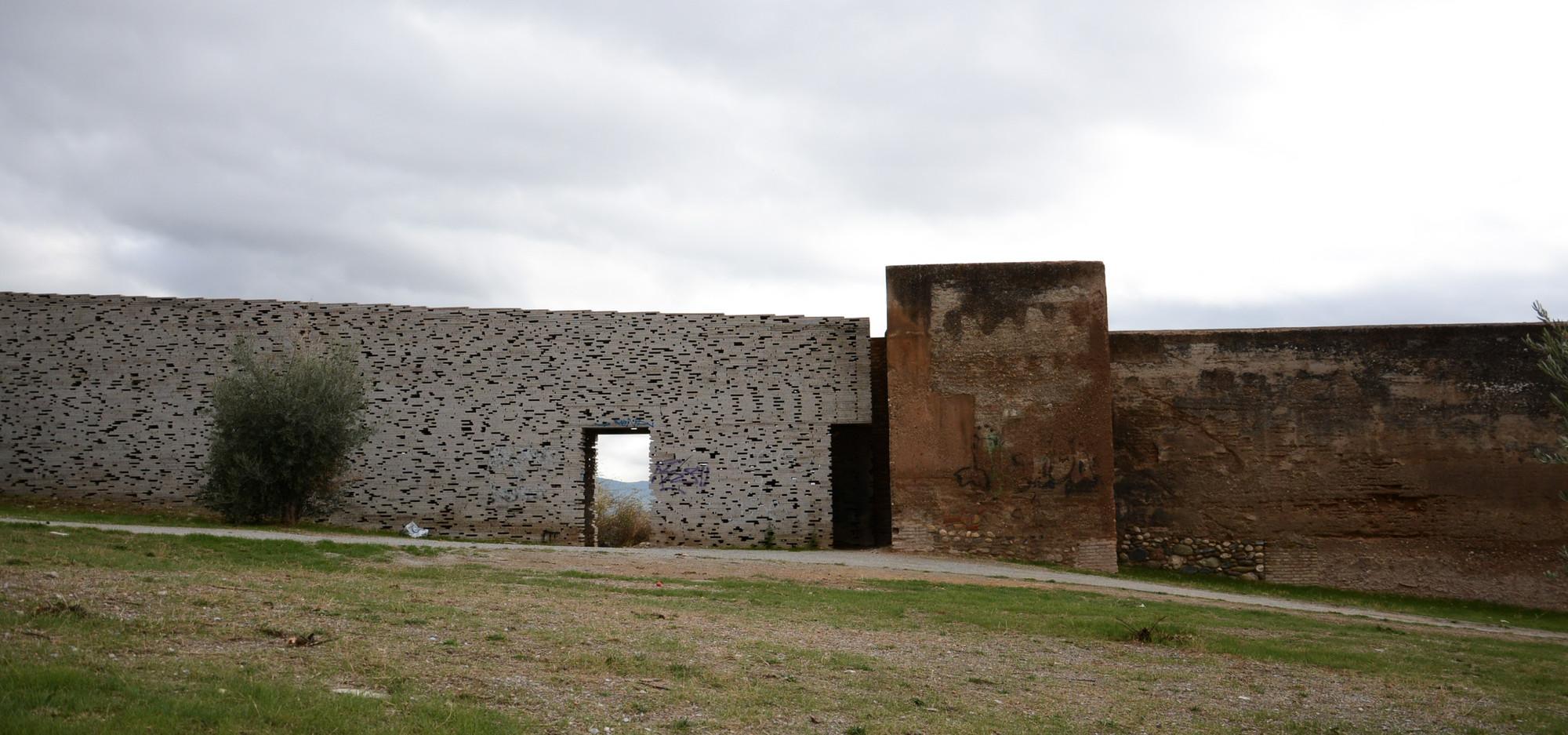 Galeria de Muralha Nazarí em Alto Albaicín / Antonio ...