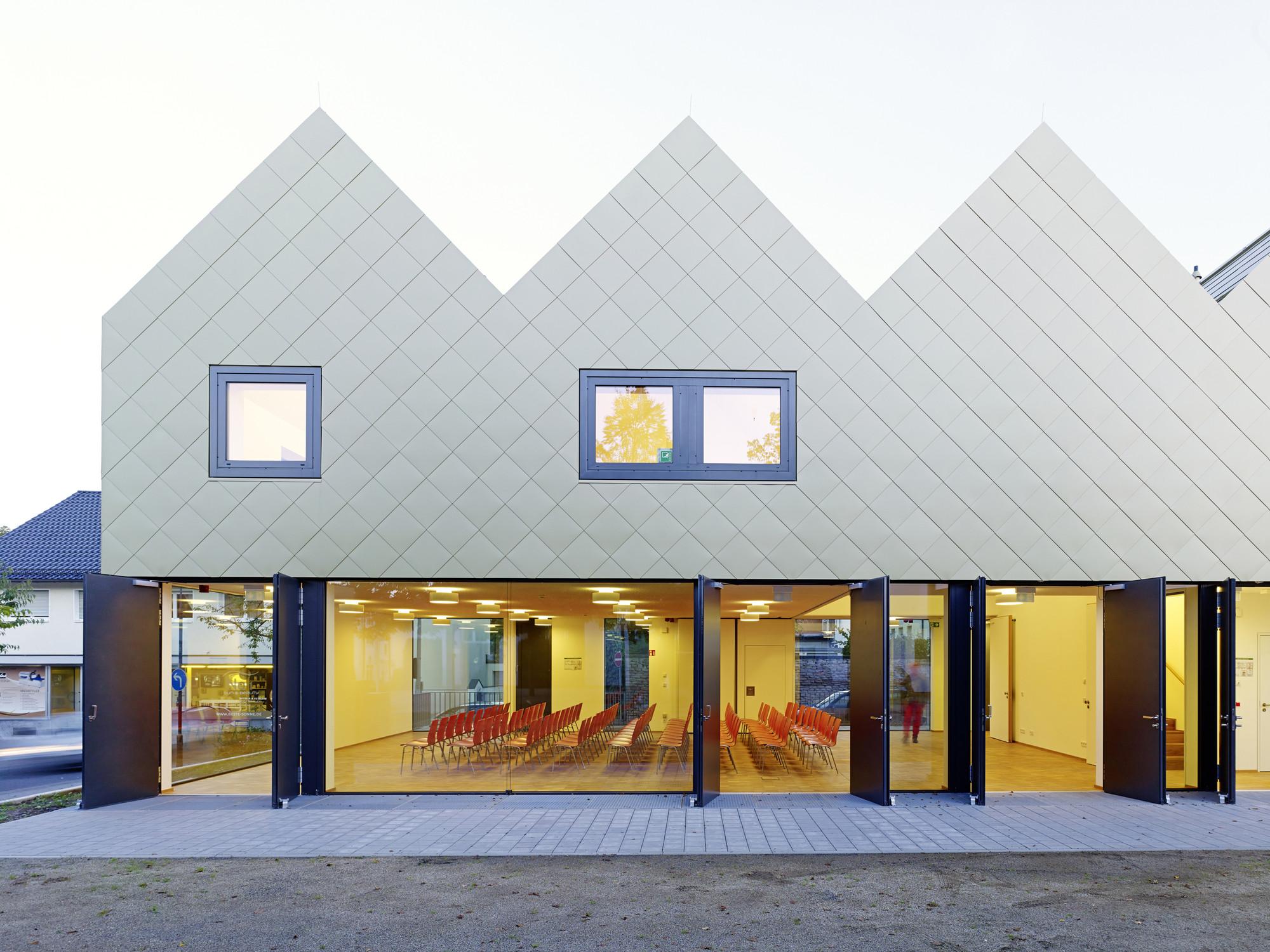 St. Gallus Community Centre / netzwerkarchitekten , © Jörg Hempel