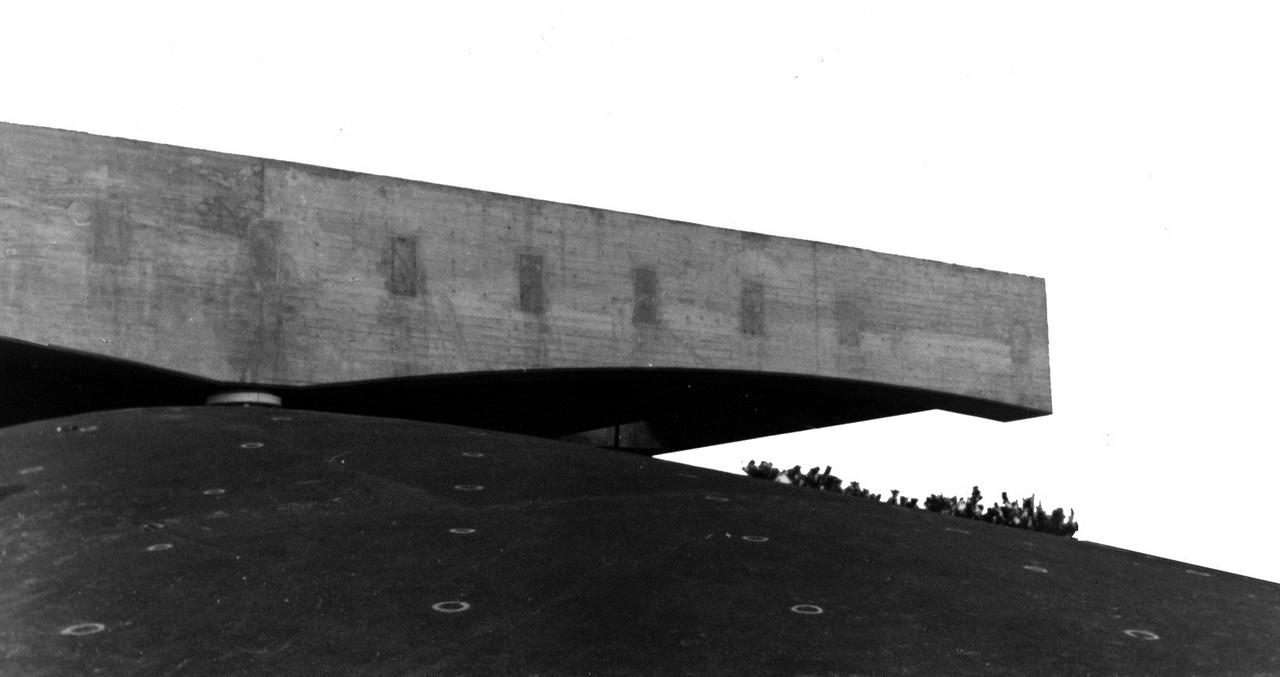 """Centro Maria Antonia promove o curso """"Cidade e território na arquitetura de Paulo Mendes da Rocha"""", Pavilhão do Brasil em Osaka, 1970. © Arquivo Paulo Mendes da Rocha. Cortesia de Ruth Verde Zein"""