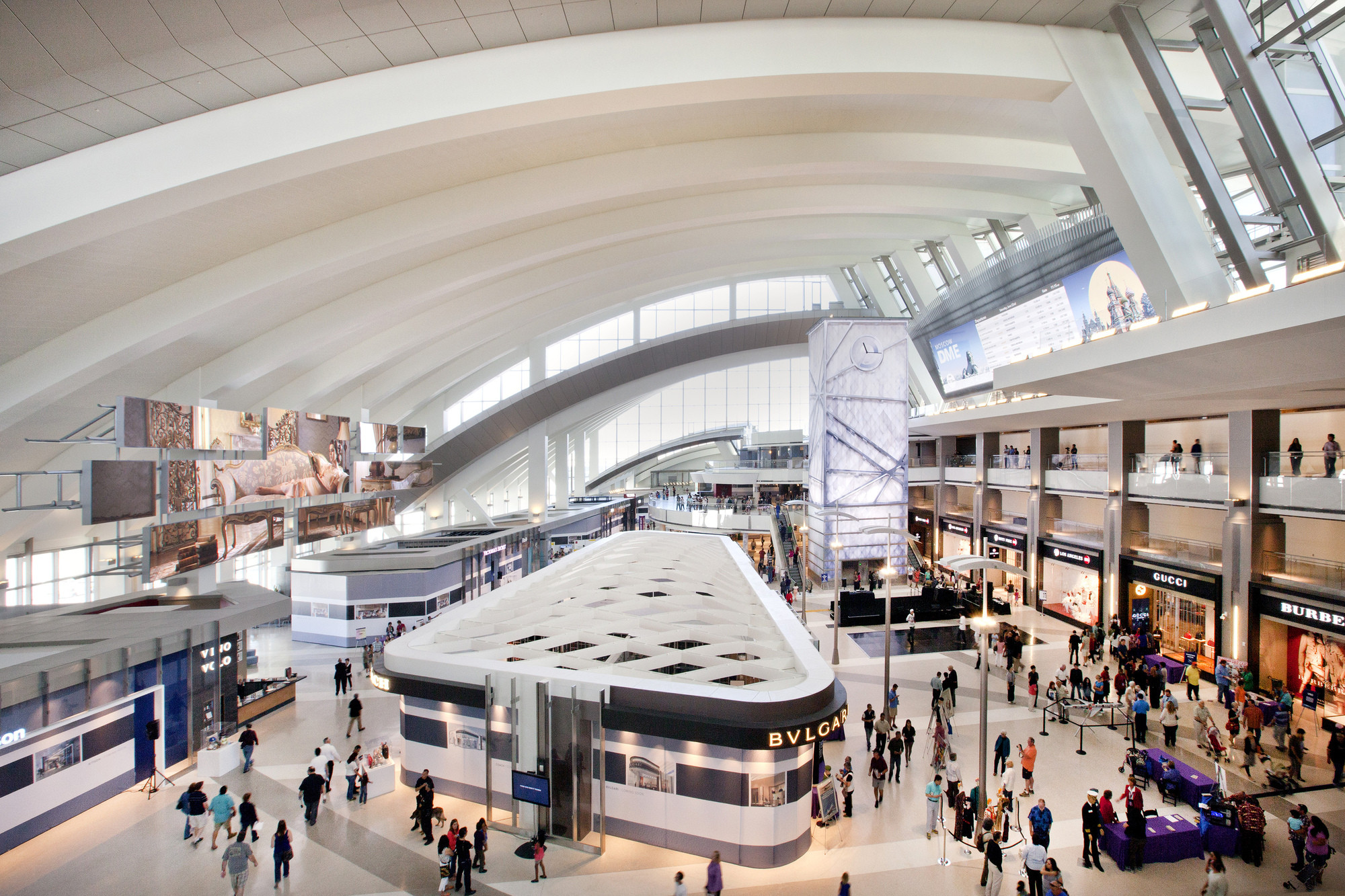 Open Call: Fentress Global Challenge, Tom Bradley International Terminal / Fentress Architects. Image © Fentress Architects