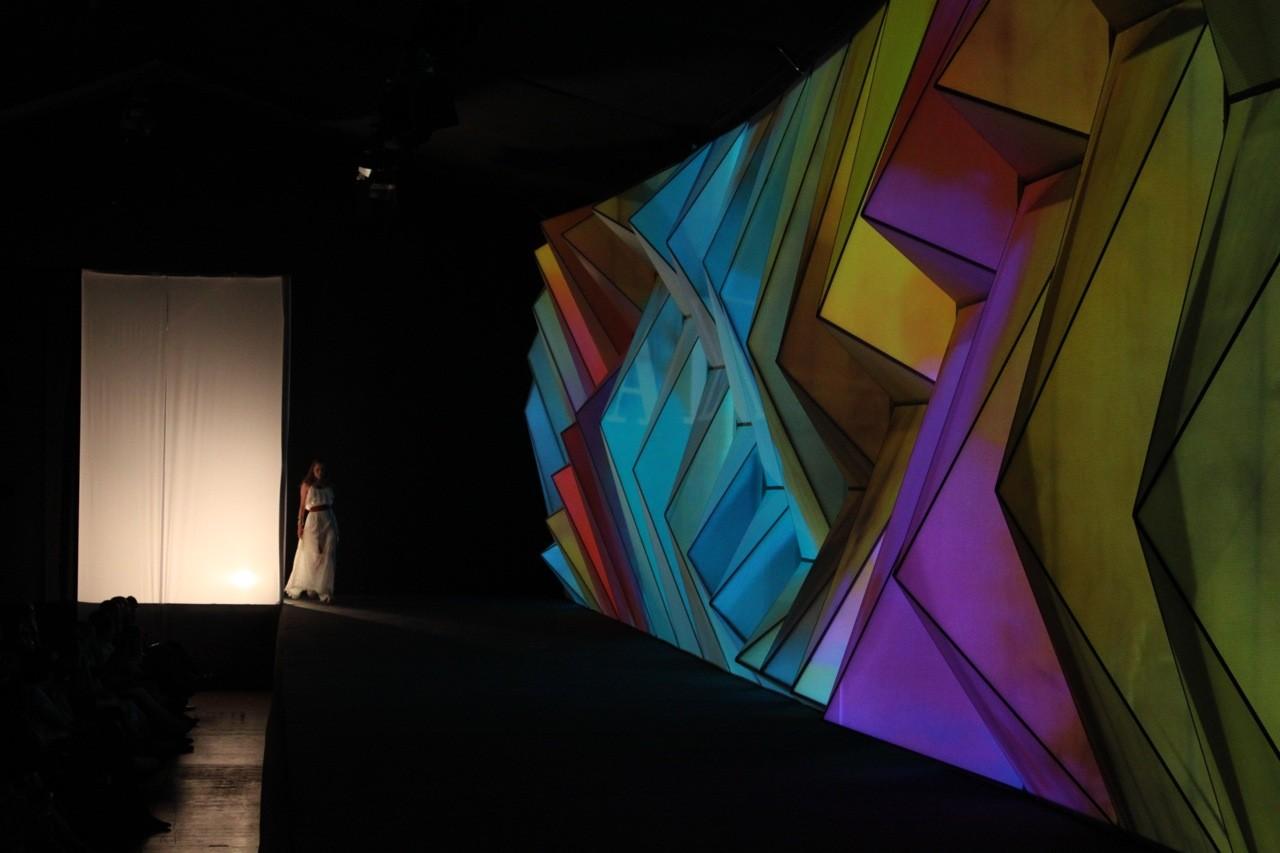 Proyecto Iluminación: Be Fashion / Rafael Rivera