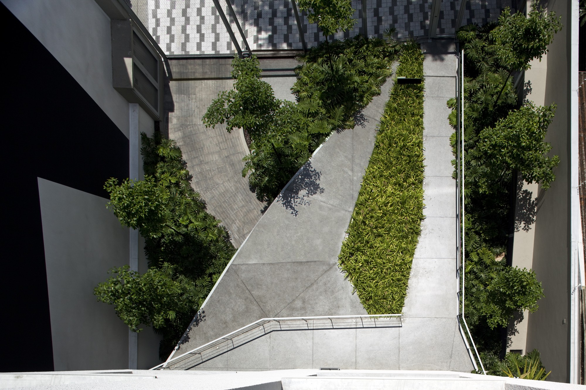 Edificio Residencial en Aimberê / Andrade Morettin Arquitectos