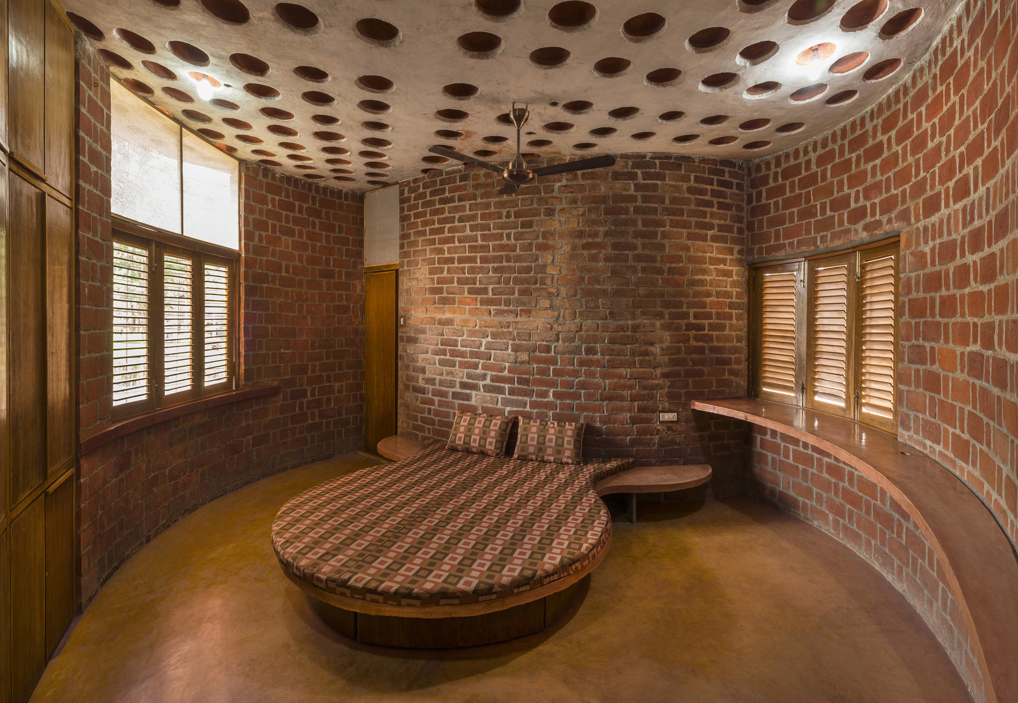 Brick House Istudio Architecture Archdaily