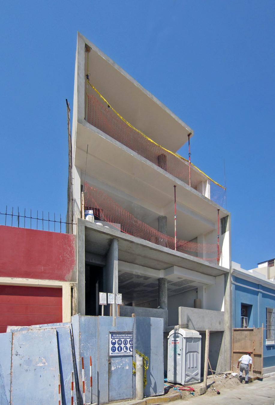 En Construcción: Edificio Barranco / JSª