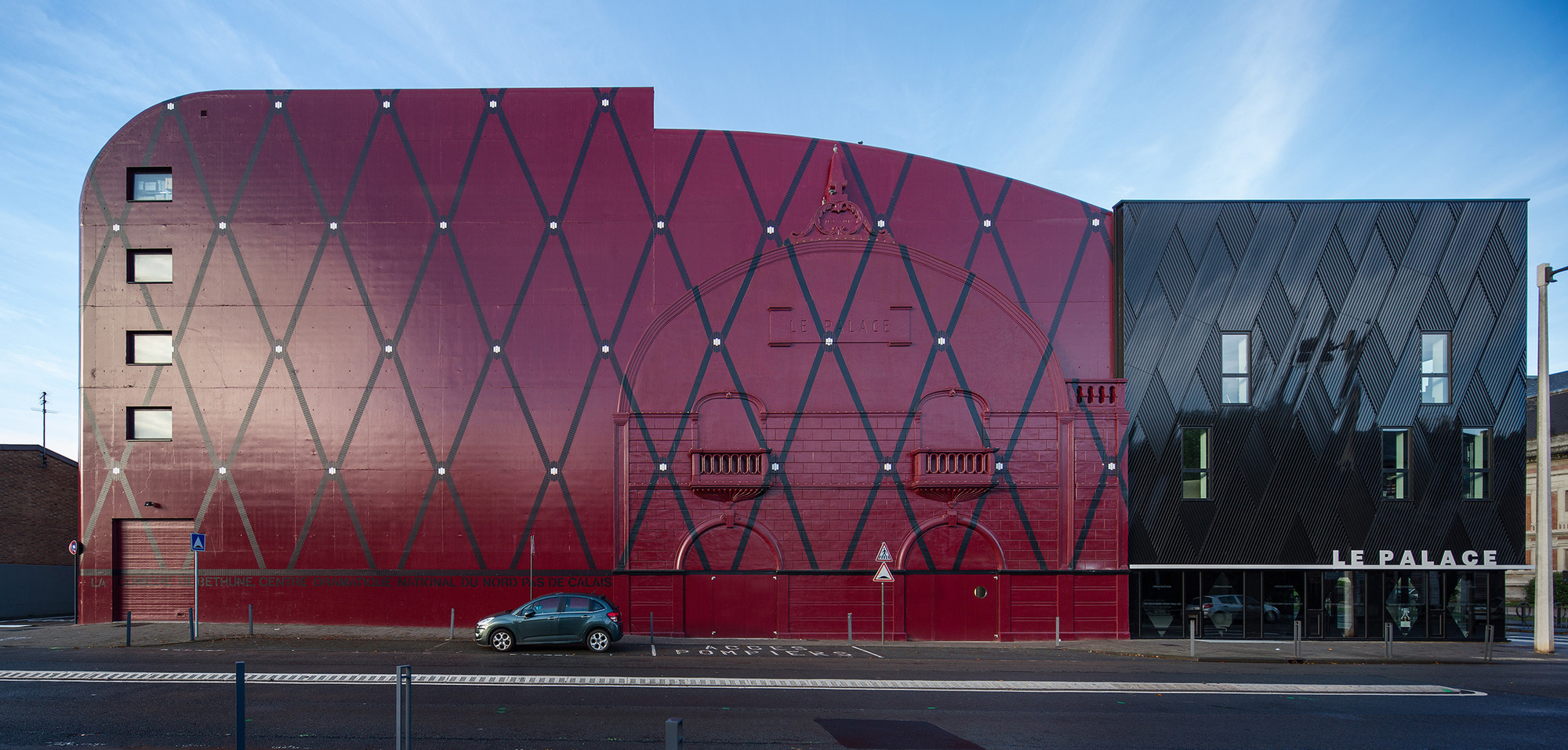 Comedie de Bethune - Teatro Nacional / Manuelle Gautrand Architecture, © Luc Boegly