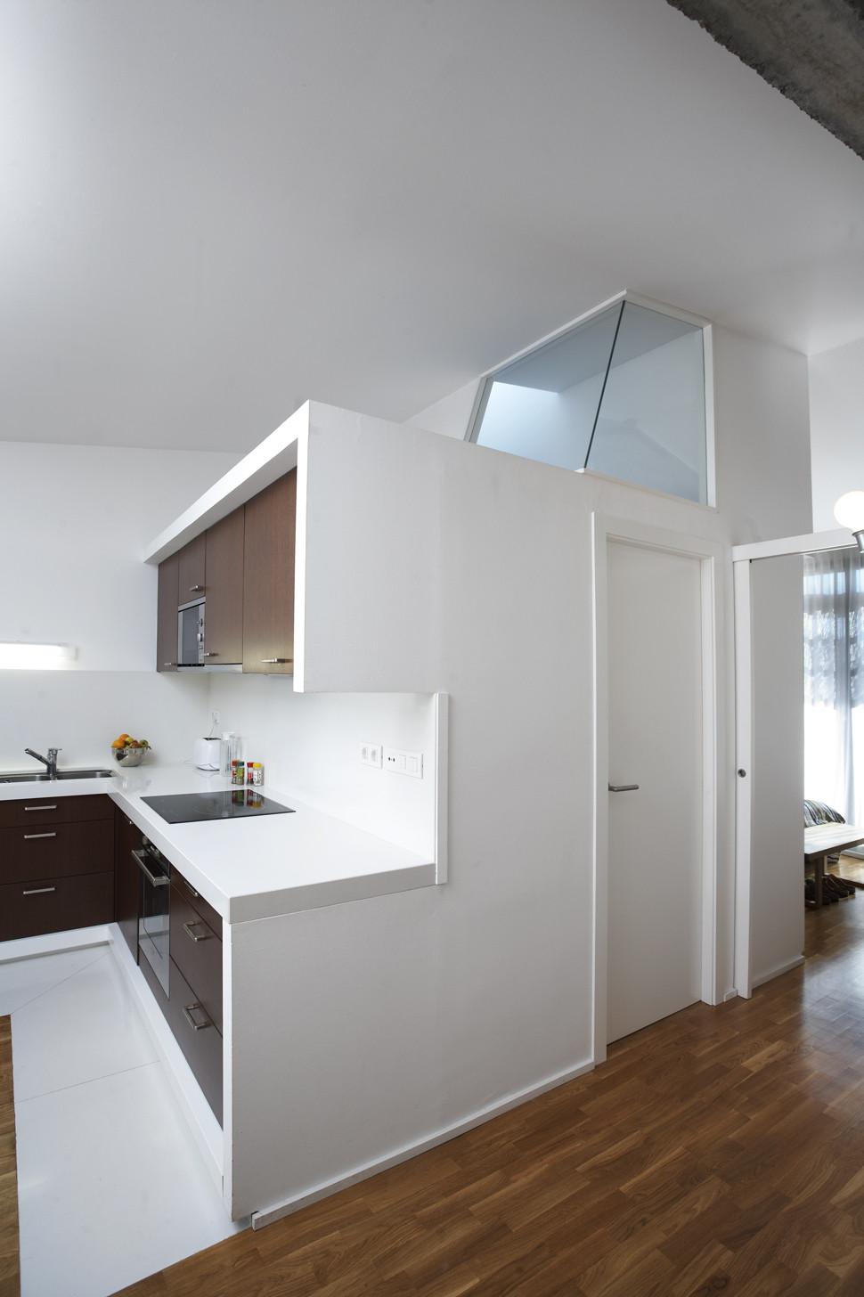 Conversión de un espacio agrícola en vivienda unifamiliar / Sauquet Arquitectes