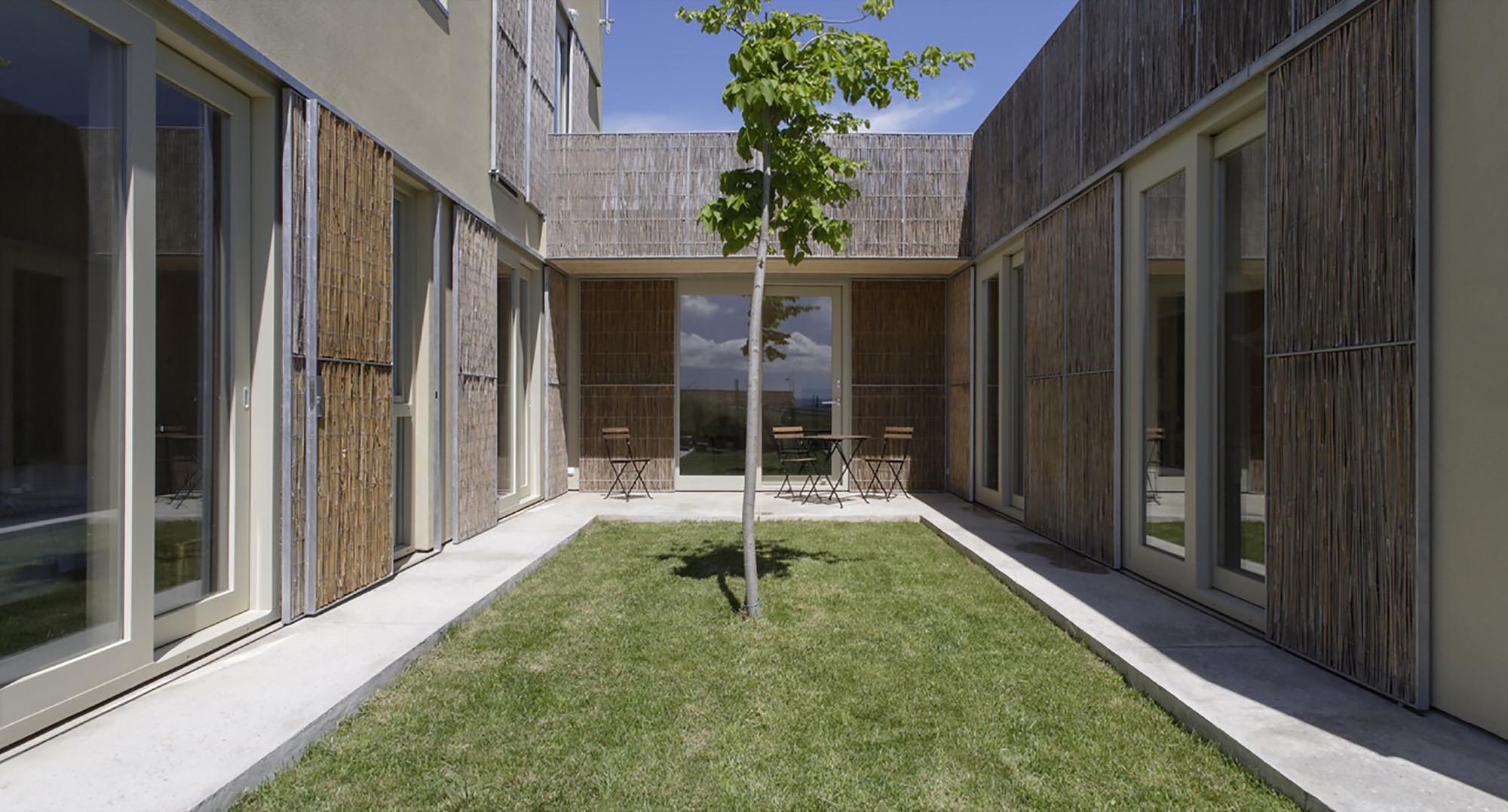 Residência b- Empordà /  B- Architecture, © Lourdes Jansana