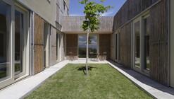 b- Empordà Dwelling /  B- Architecture